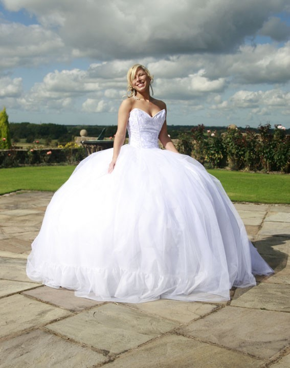 Most gypsy wedding dresses supplied by Elysium Corsets start at 1000